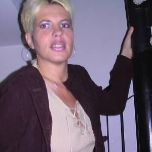 Lorraine Flores
